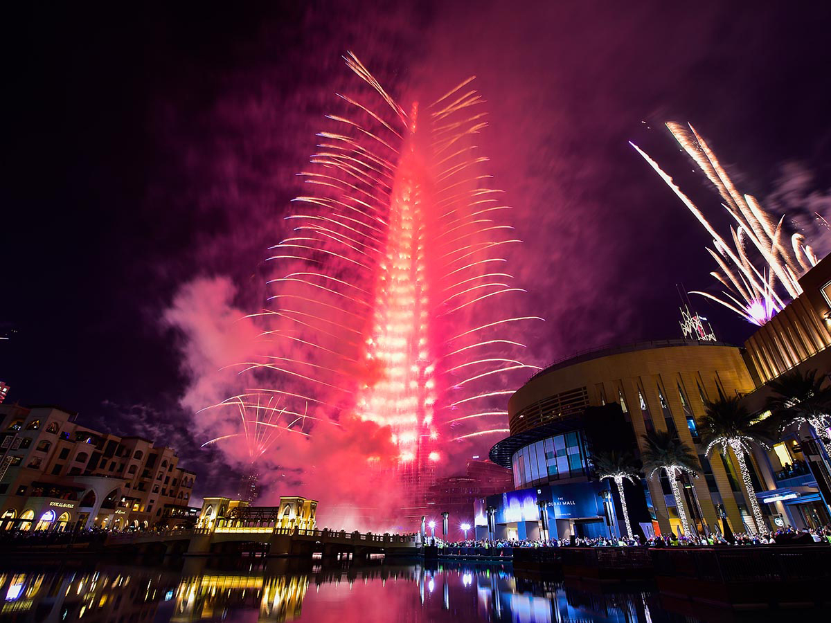 watch post your new year greetings on the burj khalifa