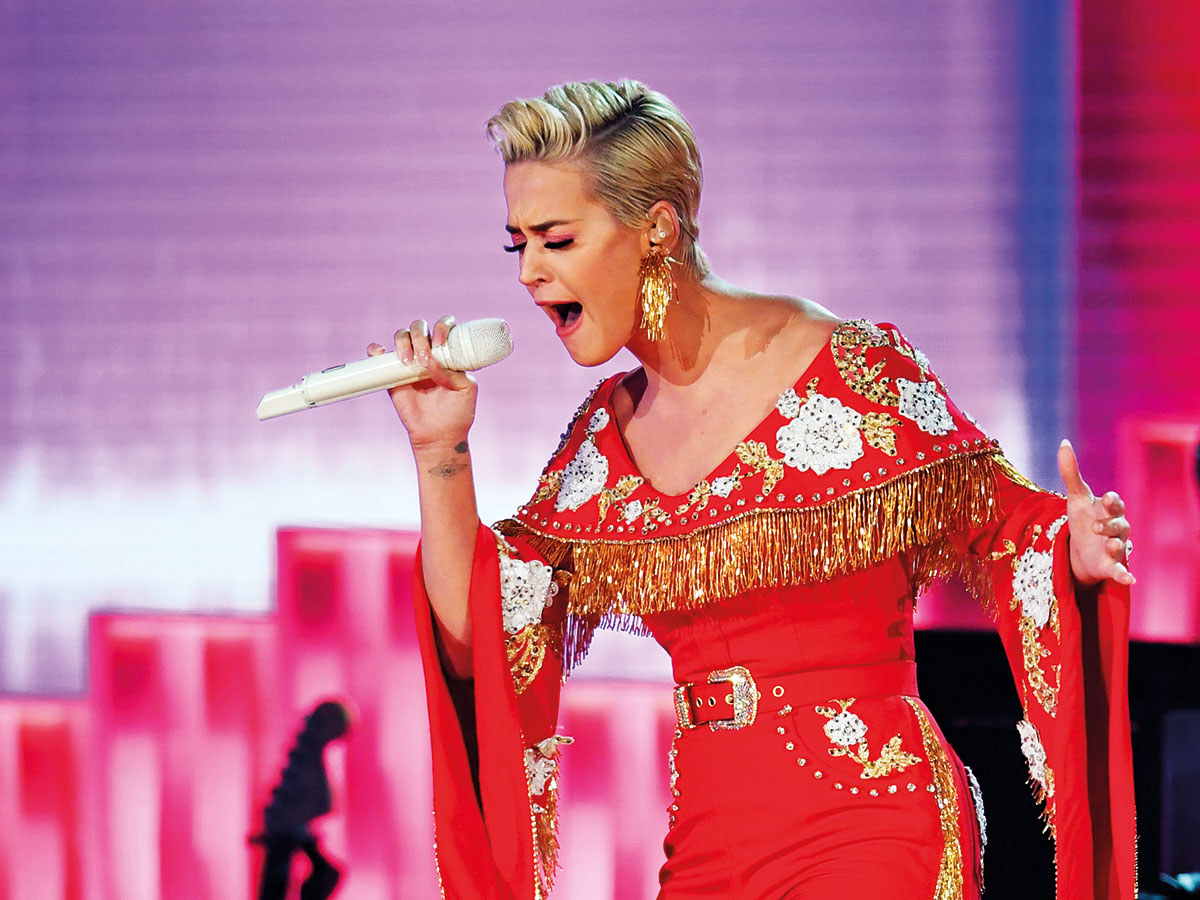 Katy Perry Bounces Her Breasts While Singing - 2019 year