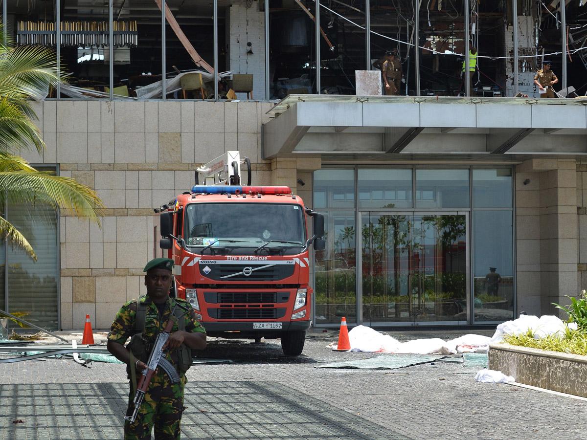 श्रीलंका बम हमले में 200 से ज्यादा मौत