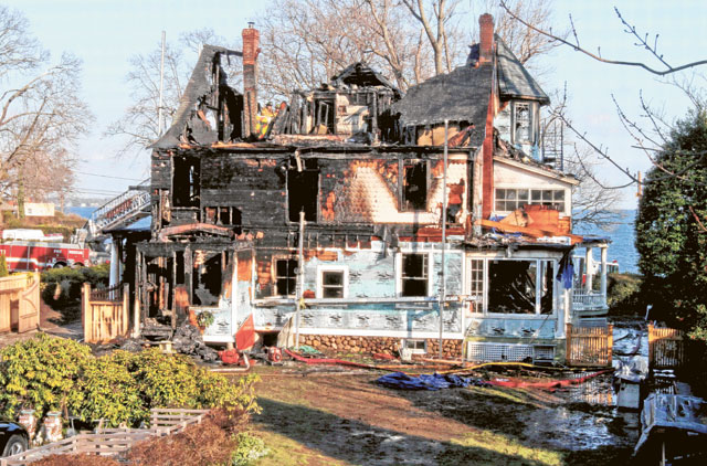 christmas day fire in us home claims five lives rh gulfnews com home claims@l&g.com home claims adjuster salary