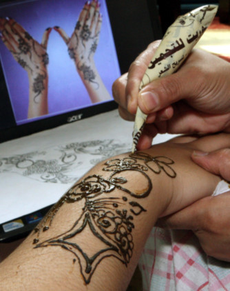 Black Henna Can Be Fatal Abu Dhabi Municipality Warns