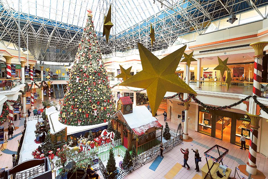 Dubai Christmas Shopping In Full Swing
