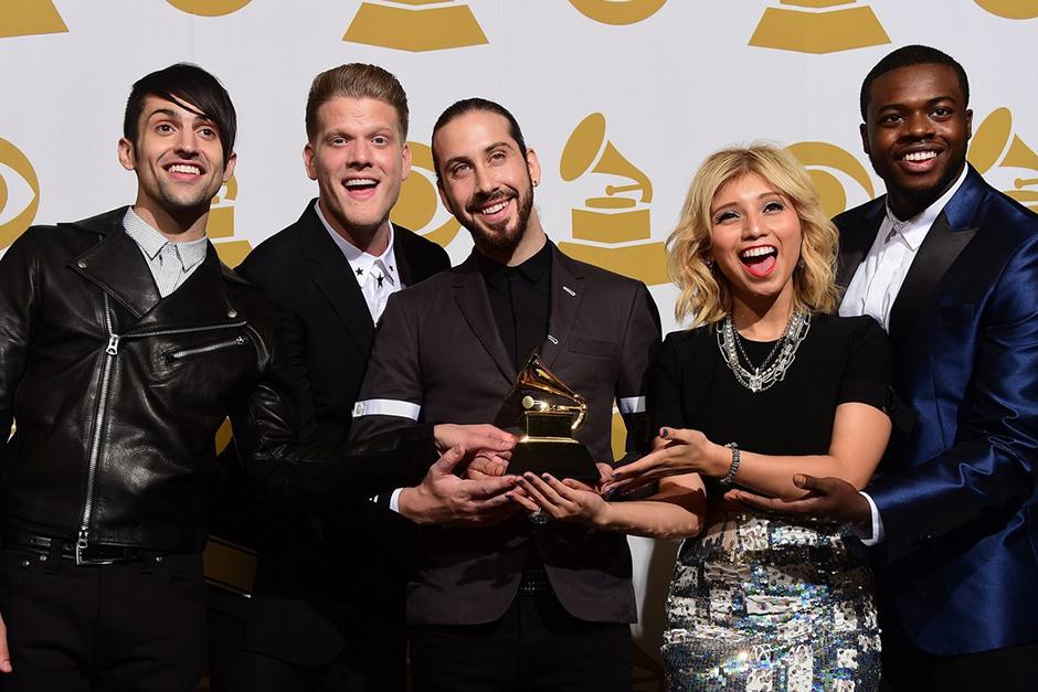 Pentatonix Christmas Album.Pentatonix Christmas Tops Billboard Album Charts