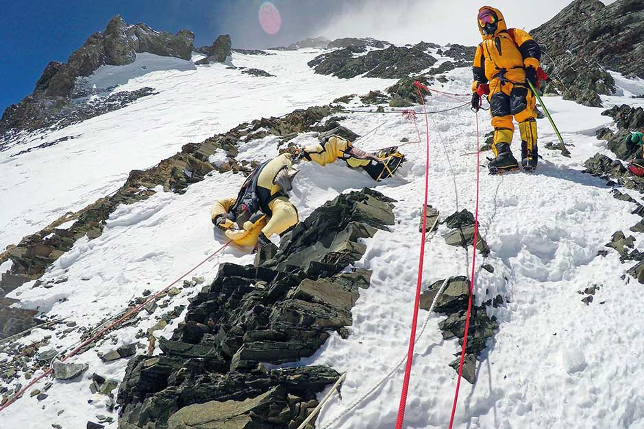 5884bfac0 Bringing the dead back from Everest