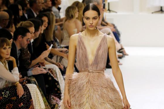 Dior bans Instagram bling at Paris haute couture week dfca6fe4737c0